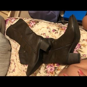 Used women cowboy boots